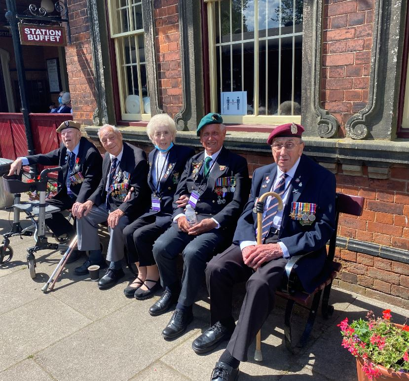 WWII veterans on the Battlefield Line lo res