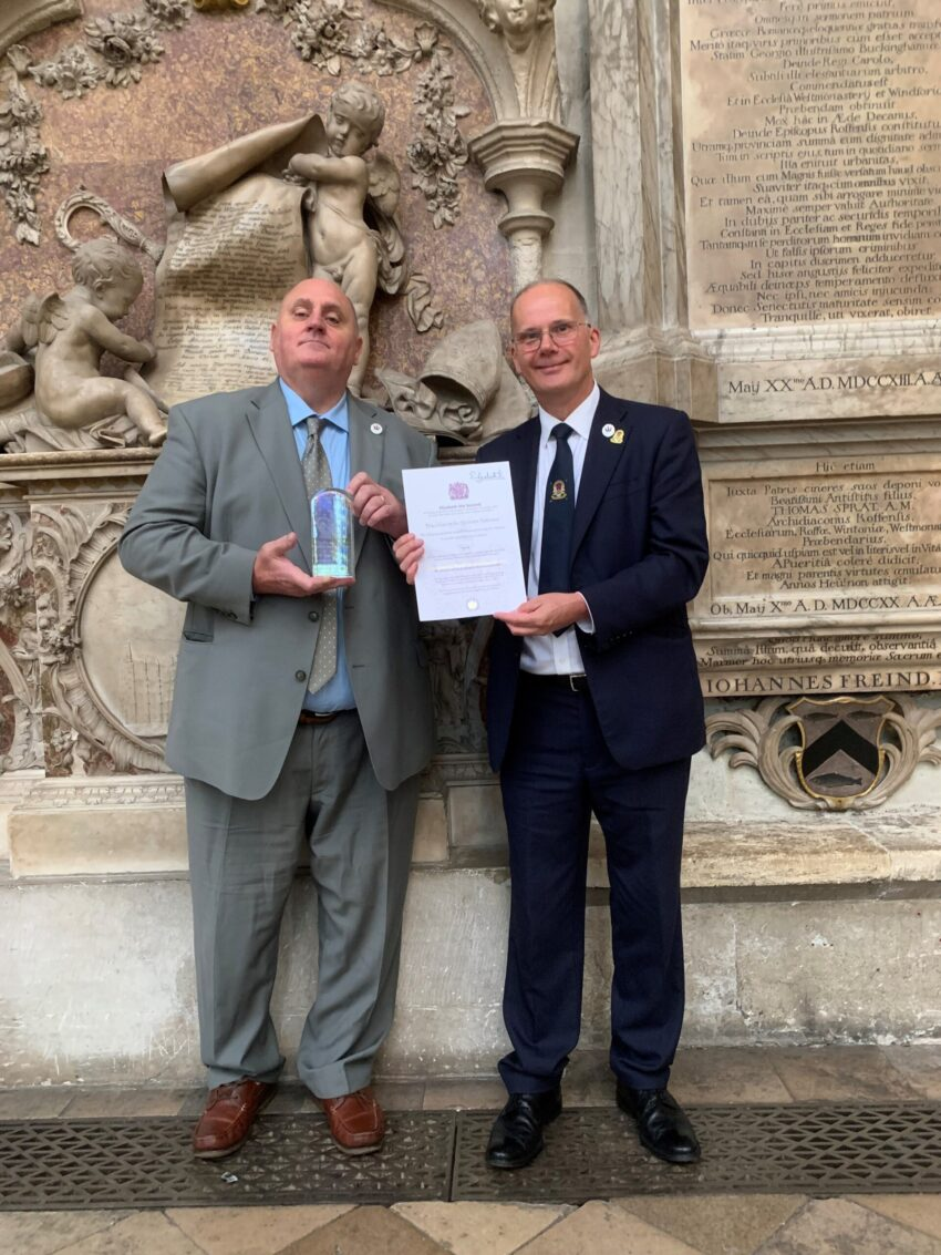 Ian Parsons and Dick Goodwin with the QAVS Award at Westminster Abbey 27 September 2021 (2)